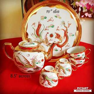 "Very Rare 1950 Old JIANG XI ""YU HUA"" Fine Porcelain with Hand-Painted Dragon & Pheonix. Rarely comes with Bulbous Teapot like this one. Paintings are Large and Clear, Good Conditon. 6"" dia, 8.5""h. Big, Not small. Not the cheap type, $138, sms 96337309."