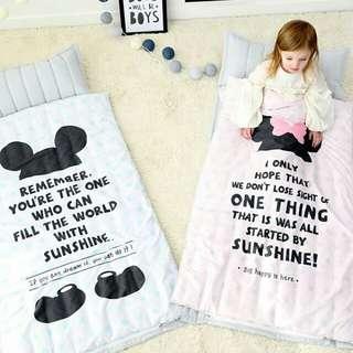 🚚 韓國 AMANTE 藍色米奇/粉色米妮 睡袋 兒童睡袋 幼兒園睡袋 (枕頭可拆)