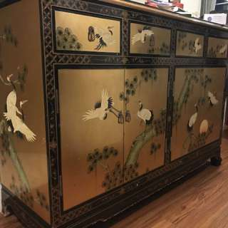Golden crane cabinet