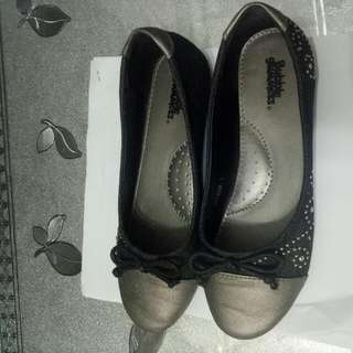 Girls Slip On Shoe ,Bubbles gummers ,fir Up To 8-11yrs Depend On Ur Soles Size