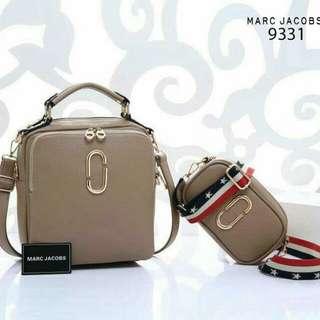 Tas Fashion Wanita. Marc Jacobs New York 2in1 Set  Kode : MJ-9331 (Bisa Ransel, Tenteng, Sandang)