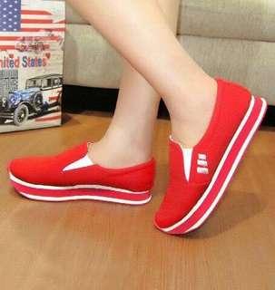 Sepatu Slip On YK02
