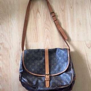 Vintage Louis Vuitton Saumur Canvas Messenger Bag