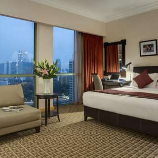 2D1N Staycation at Deluxe Room @ GCW Hotel - Breakfast for 2 inclusive