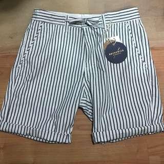 Striped cotton on short pants