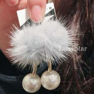 氣質典雅毛球金屬珍珠夾式耳環!(現貨灰)