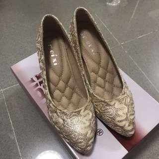 香賓色高跟鞋