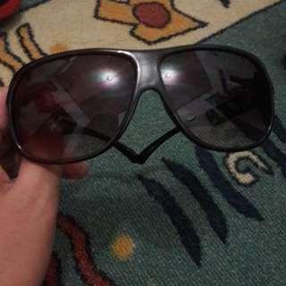 Kacamata (Sun Glasses Surf)