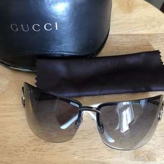 Gucci 100% real 太陽眼鏡