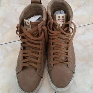 North Star Boots Size 42