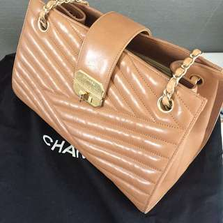 100% authentic & 90% New Chanel Nude Color Bag