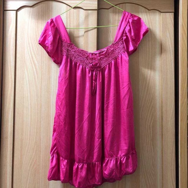 小資女孩👧桃紅兩件式仿絲質睡衣