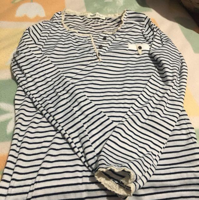 條紋花邊長袖上衣