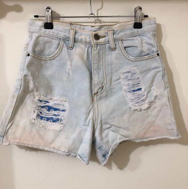 高腰淺藍小花牛仔短褲