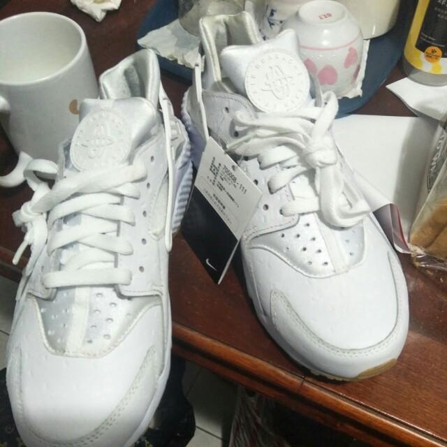 全新奶油底武士鞋