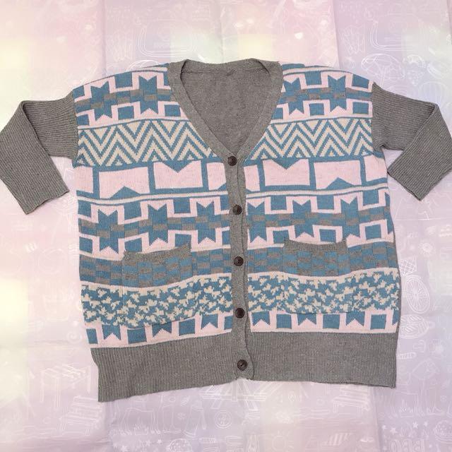 ✨ 民俗風拼色設計感長版針織外套 ✨