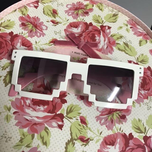 粉白色 亮面光滑造型眼睛 太陽眼鏡 跑趴必備