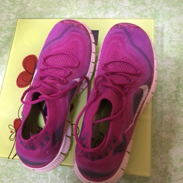 authentic nike shoes (free shipping)