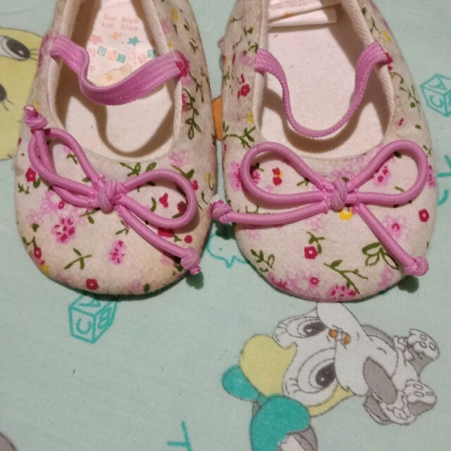 Baby's preloved shoes