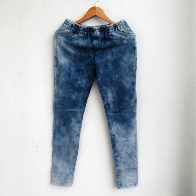 #cintadiskon Washed Blue Jegging