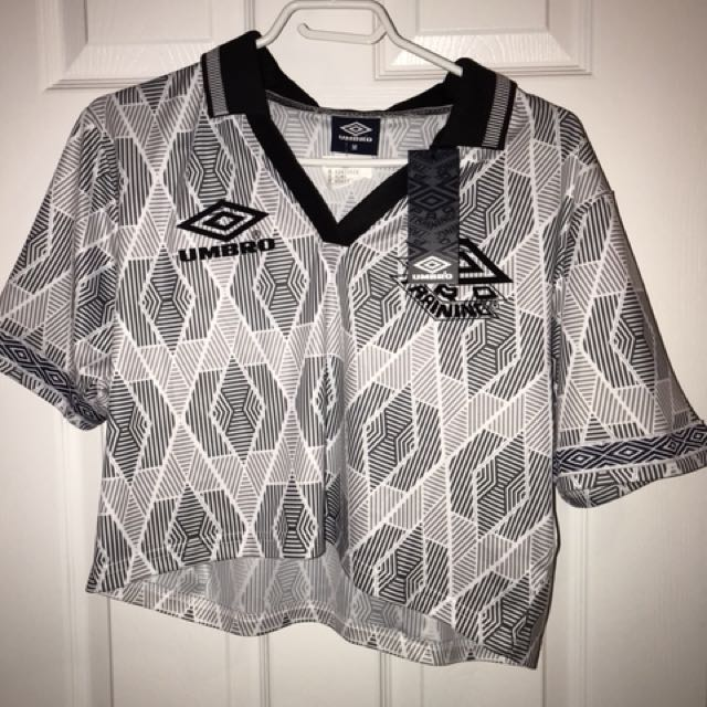 cropped umbro jersey