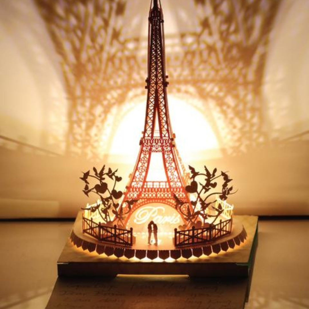 DIY miniature paper model with lights - Eiffel Tower Couple In Love ...