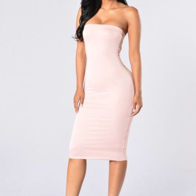 Fashion Nova Anna Dress (Blush)