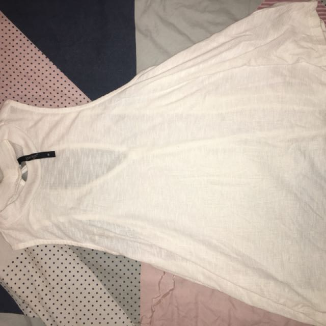 Flowey white top size 16