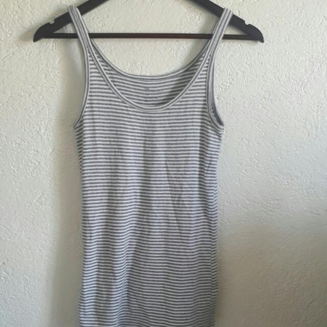 Gap sleeveless