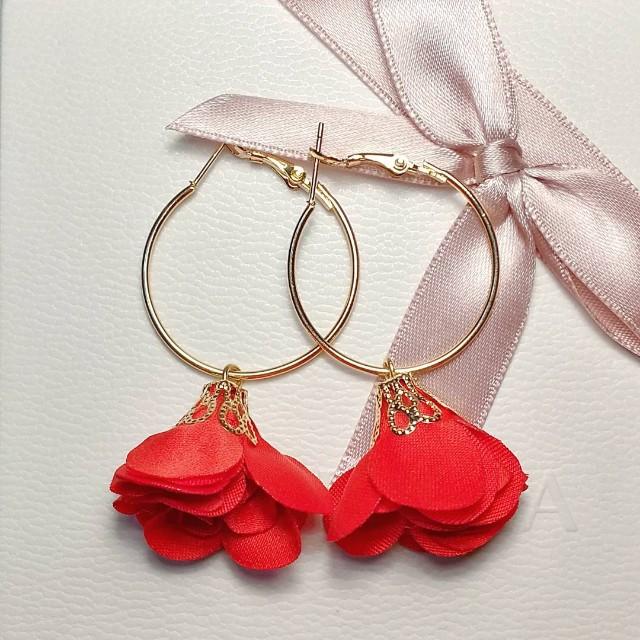 Janna hoop earring