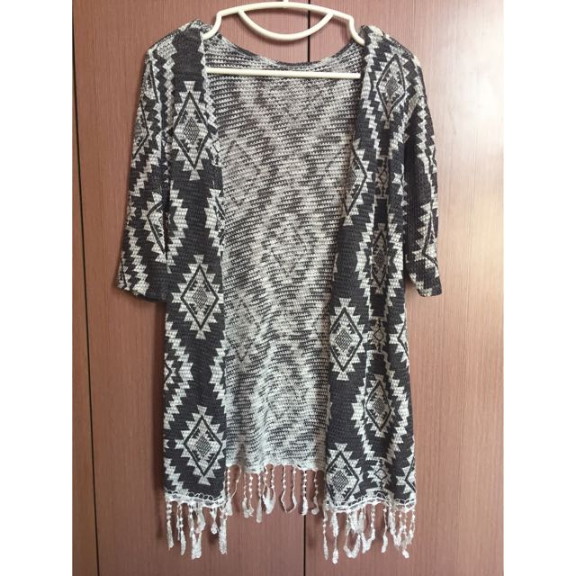 Knitted Cardigan with Tassel