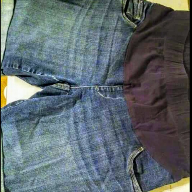 L Maternity shorts