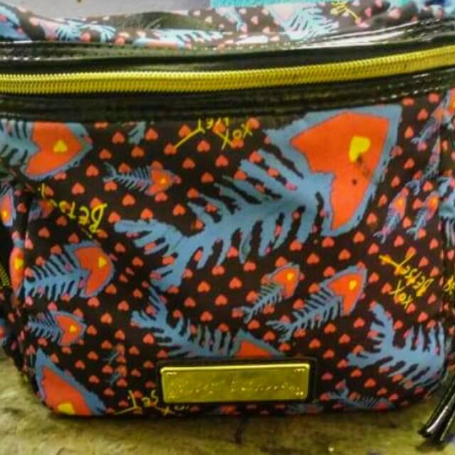 Like New Betsy Johnson make up bag