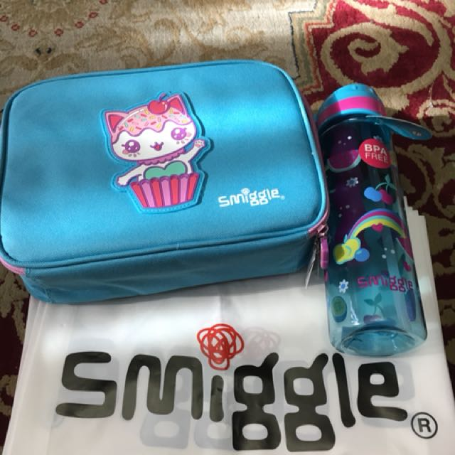 Lunchbox with bottle