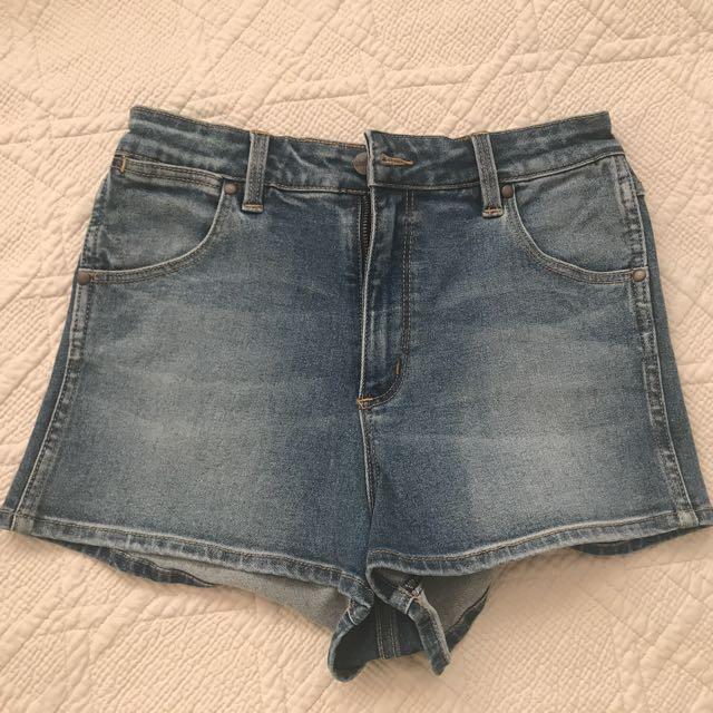Never worn wrangler shorts