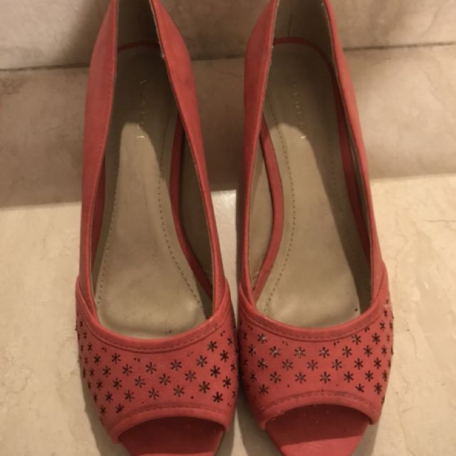 NEW: Pink VINCI Shoes