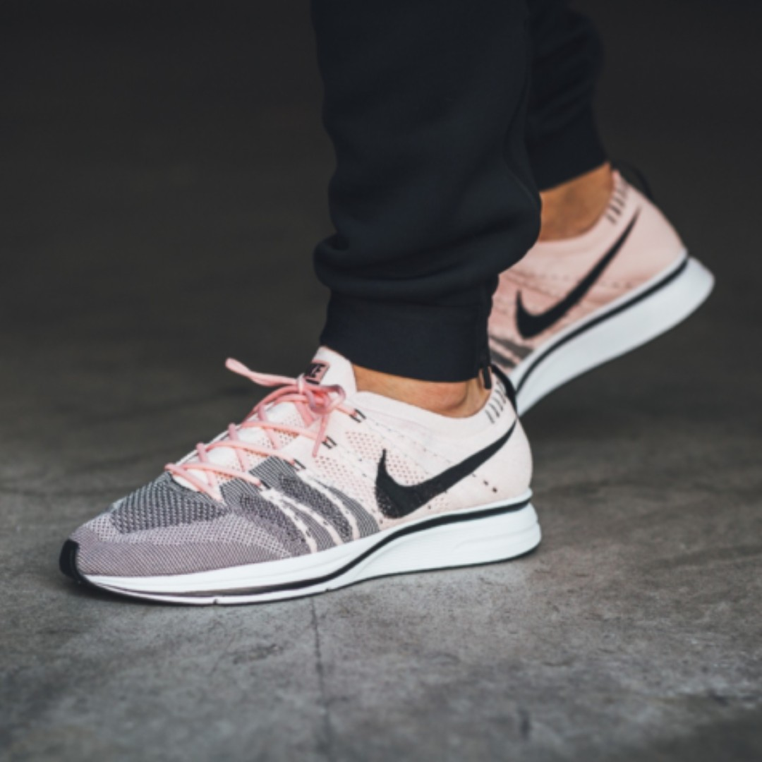488c1a773b955 PO) Nike Flyknit Trainer Sunset Tint Pink