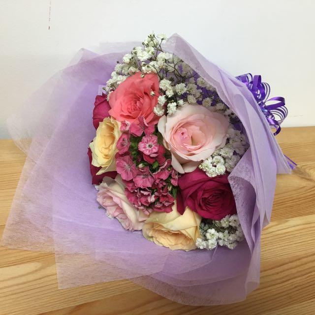 Rose Bouquet 8 Roses Valentine's Special