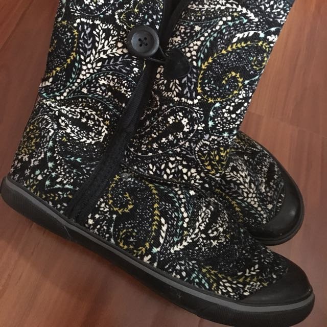 Skechers Corduroy Style Ankle Boots With Faux Fur Lining