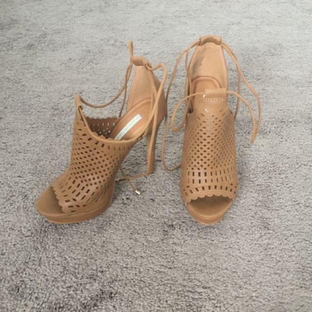 tan heels size 7