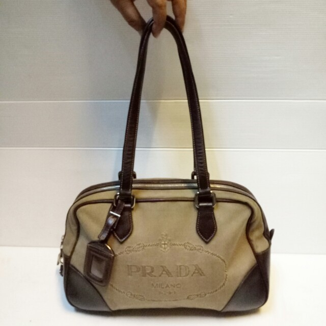Tas Prada Authentic Shoulder Bag