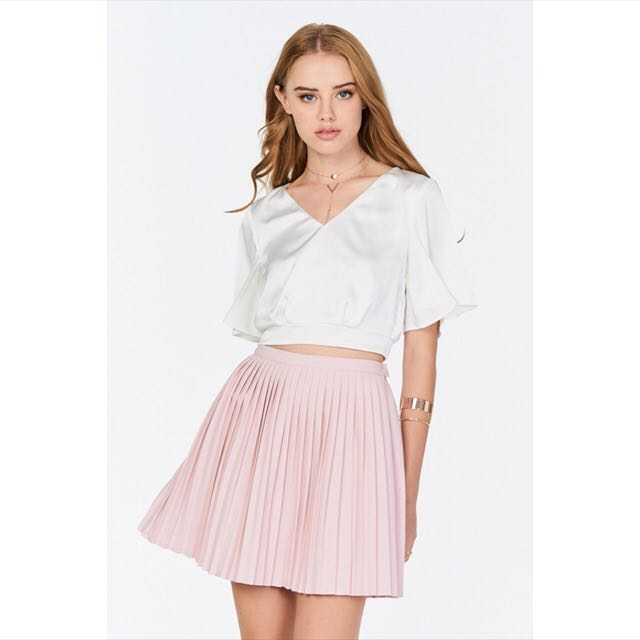 4e6b35457e TCL Sydney Pleated Skirt Light Pink, Women's Fashion, Clothes, Dresses &  Skirts on Carousell