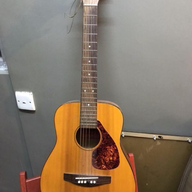 Used - Yamaha FG Jr1