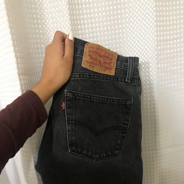 Vintage Levi's Grey Dark Wash Mom jean
