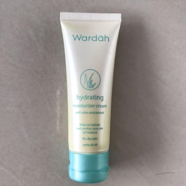 Wardah hydrating moisturizer cream, Health & Beauty, Skin, Bath, & Body on Carousell