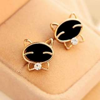 Cat Earring 01
