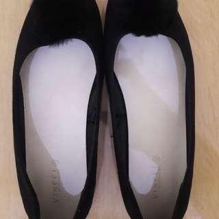 Preloved Sepatu Flat Vincci (Ori beli di Malay)Size 38 Baru pake 2x