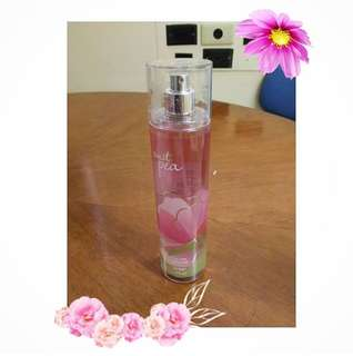 Bath and Body Works Sweet Pea