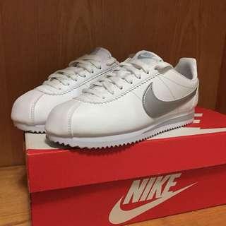 Nike 阿甘日本限定銀勾