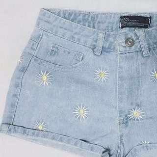 [Preloved] TEM daisy denim shorts